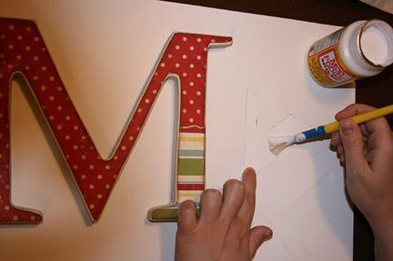 papel scrapbook en letras de madera